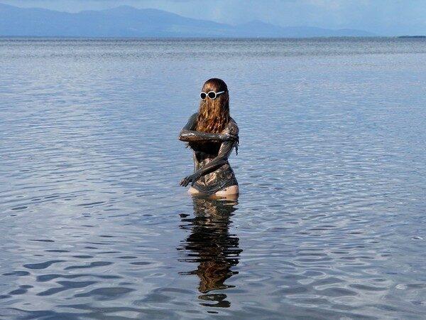 Choubaka prend un bain de boue