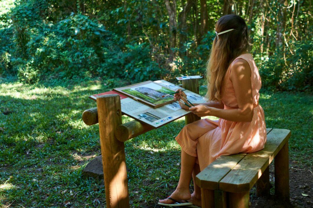 Choubaka peint le moulin de la Coulisse à Trois-Rivières