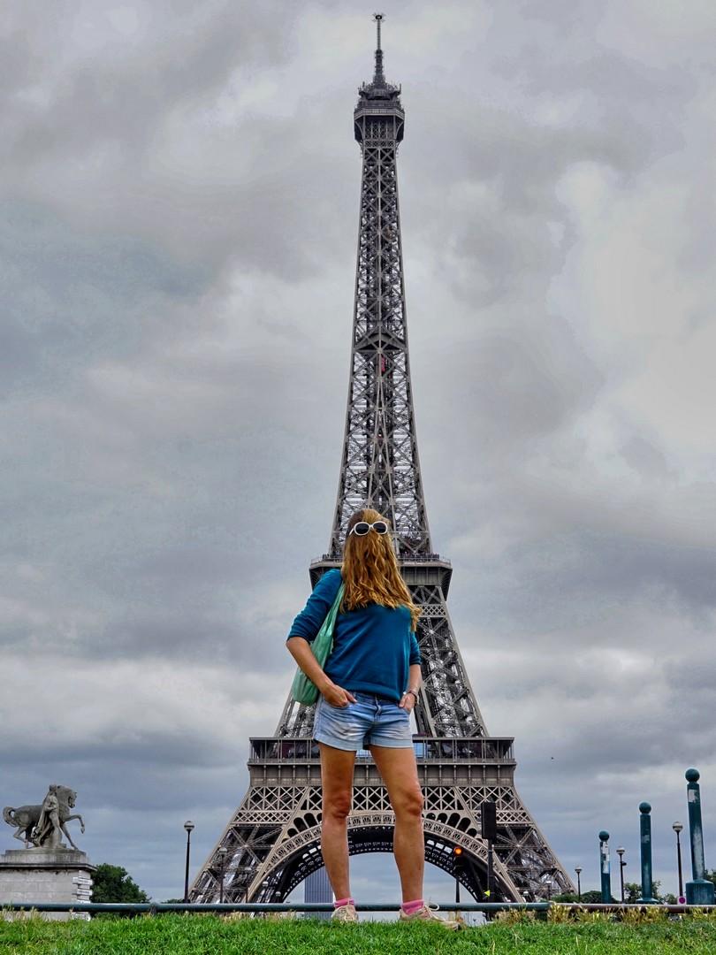 Choubaka à la tour Eiffel